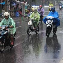 Mưa dông phủ kín Bắc Bộ, Trung và Nam Bộ có mưa vào chiều tối