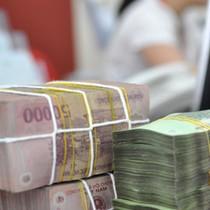 """Tài chính 24h: Ngân hàng Nhà nước """"bật đèn xanh"""" cho các ngân hàng thương mại giảm lãi suất"""