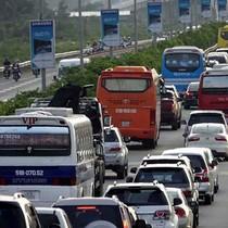 Đường cao tốc cũng kẹt xe