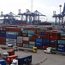"""Bắt giữ hơn 100 container """"mất tích bí ẩn"""""""