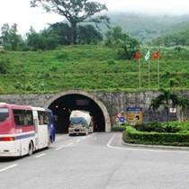 Địa ốc 24h: Đi qua hầm đường bộ Đèo Cả có thể chịu phí BOT gần 300 nghìn đồng?
