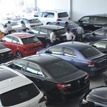 Các hãng ôtô đua nhau giảm giá trăm triệu tại Việt Nam