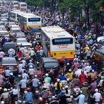 Xe máy chỉ còn 13 năm để được lưu hành ở nội đô Hà Nội?