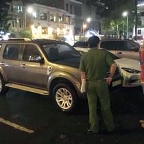 Ông Đoàn Ngọc Hải phạt hàng chục ôtô đậu vỉa hè trong đêm