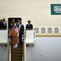 """Thú """"đốt tiền"""" trong những chuyến đi của hoàng gia Ả Rập"""