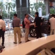 """Đi mua Honda CR-V """"giá rẻ"""", ôm cục tức vào người"""