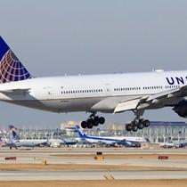 United Airlines bỏ mặc khách ngồi xe lăn tại sân bay 12 giờ