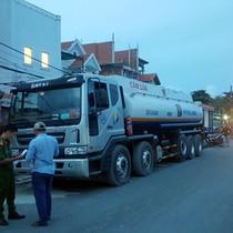 Nhiều điểm rút trộm xăng ở Sài Gòn bị cảnh sát khám xét