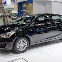 """Hết tháng """"cô hồn"""", Suzuki Ciaz giảm giá cả trăm triệu chạy đua cùng Honda, Toyota"""