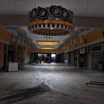 Thương mại điện tử lên ngôi, hàng loạt trung tâm thương mại Mỹ bị bỏ hoang
