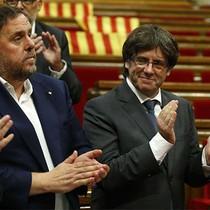 Tòa án Tây Ban Nha ra lệnh hoãn phiên họp nghị viện Catalonia
