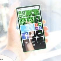 Microsoft suýt ra smartphone Lumia không viền năm 2014