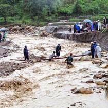 [Infographic] 72 người chết, 30 người mất tích trong mưa lũ