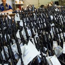 Nga bắt đầu chuyển giao 5.000 súng AK cho Philippines