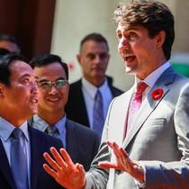 Thủ tướng Canada thăm Sở Giao dịch chứng khoán TP.HCM