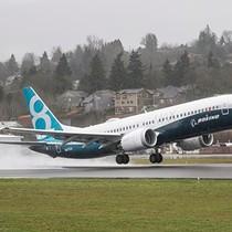 Boeing và Airbus bán hơn 70 tỷ USD máy bay chỉ trong hai giờ