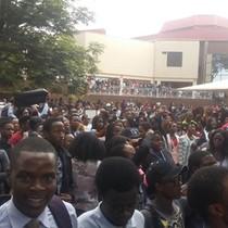 Sinh viên đại học Zimbabwe dừng thi, đòi tổng thống từ chức
