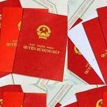 """Cán bộ xã mất chức vì đòi 4 triệu đồng phí """"bôi trơn"""" làm sổ đỏ"""
