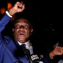 Cựu phó tổng thống Zimbabwe thề xây dựng nền dân chủ mới