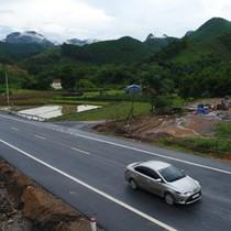 """Doanh nghiệp """"dọa"""" đóng đường cao tốc Thái Nguyên - Chợ Mới"""