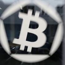 Bitcoin vượt 11.800 USD, nguy cơ bị hack gia tăng