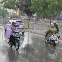 Bắc Bộ mưa rét, Nam Bộ ngày nắng, chiều tối mưa dông