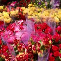 """Hoa hồng """"cháy hàng"""", socola ế ẩm ngày Valentine giáp Tết Nguyên đán"""