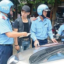 Hà Nội xử phạt xe Uber, Grab vào phố cấm