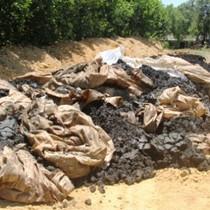 """""""Hơn 100 tấn bùn thải từ Formosa chôn lấp thì đến bao giờ mới phân huỷ được?"""""""