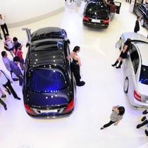 Thị trường tuần qua: Giá ô tô Việt gấp 2 lần Thái Lan, ô tô ngoại rộng đường về Việt Nam