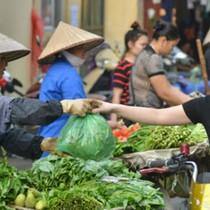 Thị trường 24h: Giá rau xanh tại Hà Nội tăng gấp đôi