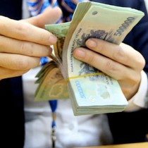 """""""Túi tiền quốc gia"""" thêm bao nhiêu từ việc tăng thuế VAT?"""