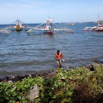 Philipplines cấm đánh cá, Trung Quốc im lặng