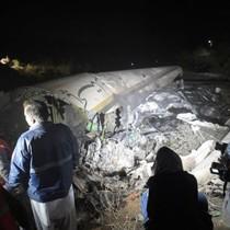 Máy bay rơi ở Pakistan: Toàn bộ 48 người trên máy bay tử nạn