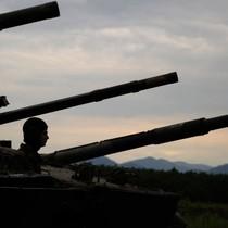"""The Times: Nước Anh chả có gì đối phó với """"kho vũ khí đáng sợ"""" của Nga"""