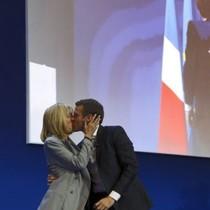 Hé lộ những bí mật của phu nhân tân Tổng tống Pháp Emmanuel Macron