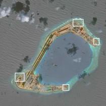 """Mỹ """"tố"""" Trung Quốc xây nhà chứa chiến đấu cơ và đặt vũ khí cố định ở Biển Đông"""