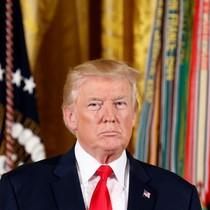 """Trừng phạt Bắc Kinh, ông Donald Trump dùng đòn """"nhất tiễn hạ song điêu"""""""