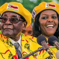 """Zimbabwe: Tổng thống Mugabe bị quân đội """"quản thúc"""""""