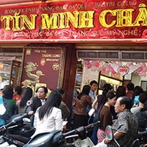 """[BizVIDEO] Có hay không chiêu """"cố tình bán điêu"""" của Bảo Tín Minh Châu?"""