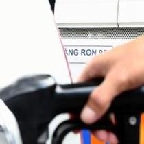 """Doanh nghiệp 24h: Petrolimex """"thống nhất cao"""" với chủ trương tăng thuế môi trường với xăng dầu"""