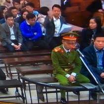 """Tài chính 24h: """"Sếp"""" Oceanbank bán nhà khắc phục hậu quả, Hà Văn Thắm """"thanh minh"""" cho thuộc cấp"""