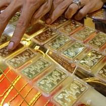 Thu hẹp mạnh khoảng cách giá vàng trong nước và thế giới