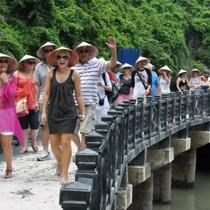 """Việt Nam """"rừng vàng biển bạc"""", vì sao nhiều du khách vẫn... một đi không trở lại?"""