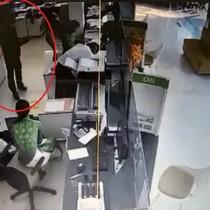 Tài chính 24h: Nghi phạm cướp ngân hàng Vietcombank khai gì?