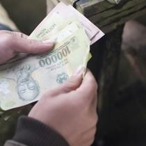 Tài chính 24h: Vay 10 triệu đồng, mỗi ngày trả lãi... 200.000 đồng