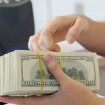 Tài chính 24h: Nhân viên ngân hàng nào kiếm tiền giỏi nhất?