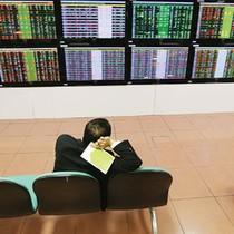Tài chính 24h: Hàng loạt ngân hàng đồng loạt gấp rút lên sàn!