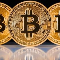 """Tài chính 24h: Vì sao Bitcoin """"loạn giá""""?"""