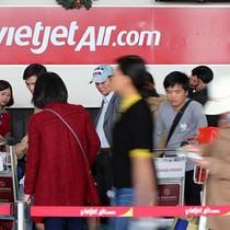 Vietnam's Bikini-clad Airline Revives Overseas Listing Plan